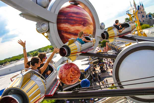 astro orbiter photo at the magic kingdom